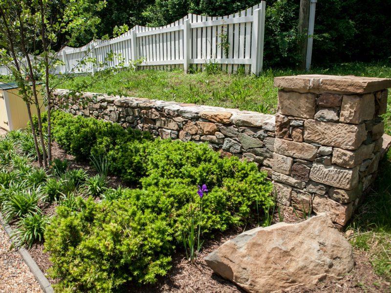 Stone Column & Retaining Wall - Kelley's Masonry