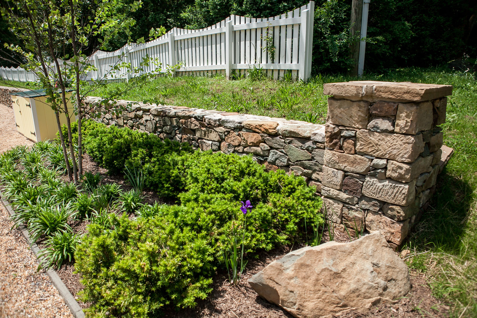 Stone Column & Retaining Wall - Kelley's Masonry