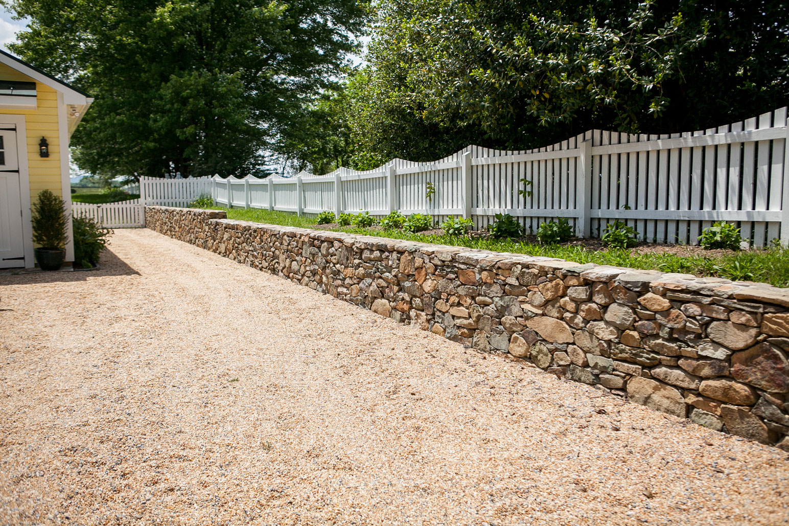 Fieldstone Retaining Wall - Kelley's Masonry