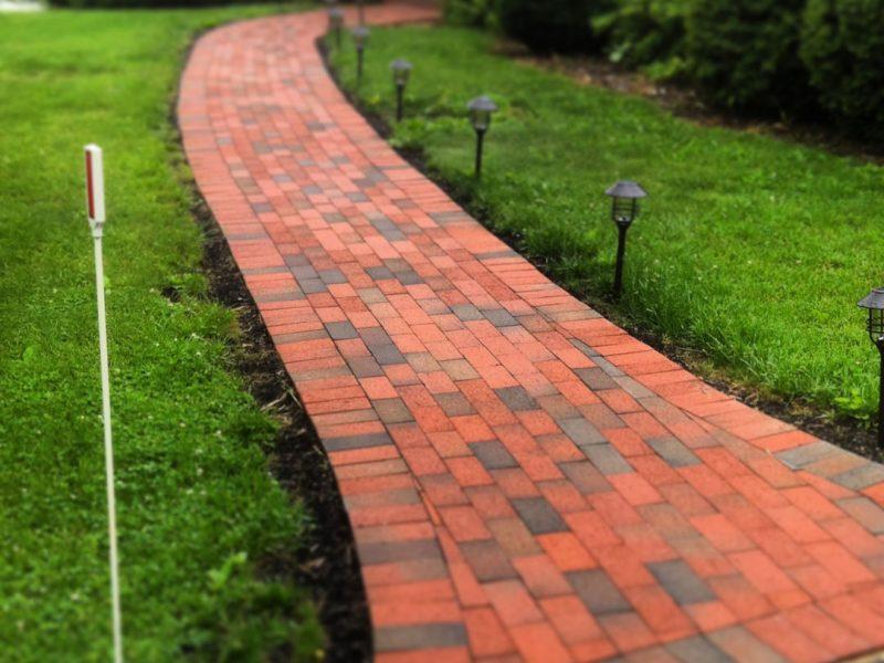 Curved Brick Walkway - Kelley's Masonry