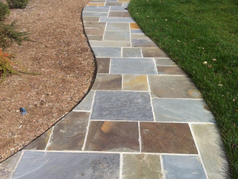 Cureved Flagstone Walkway - Kelley's Masonry