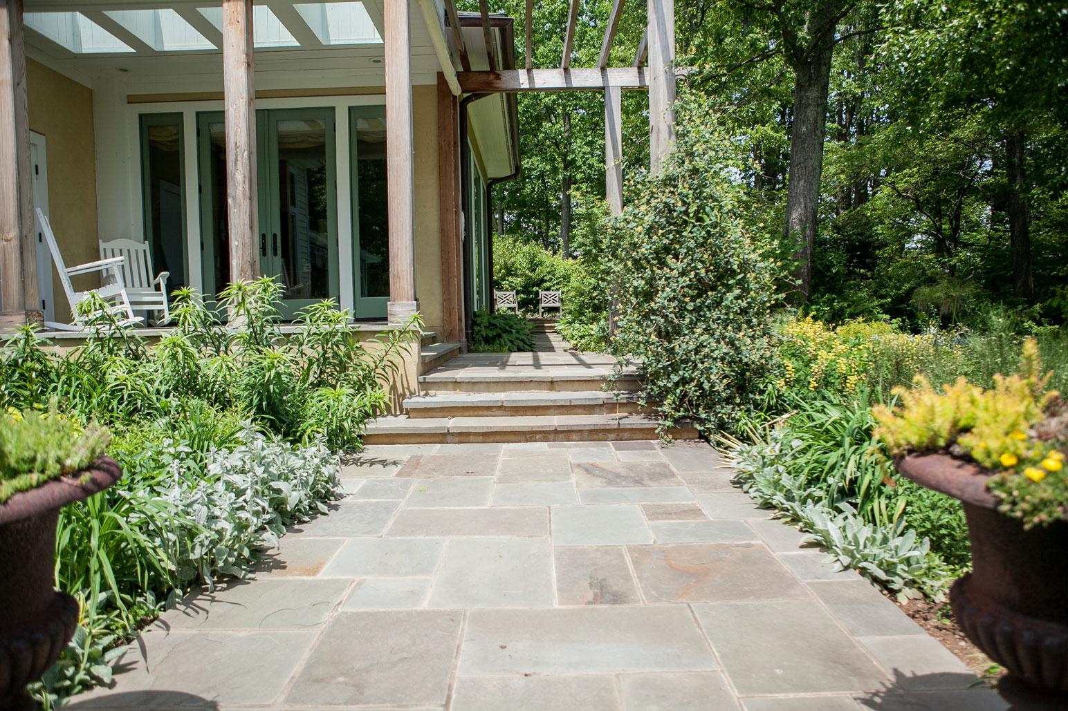 Flagstone Walkway - Kelley's Masonry Walkways